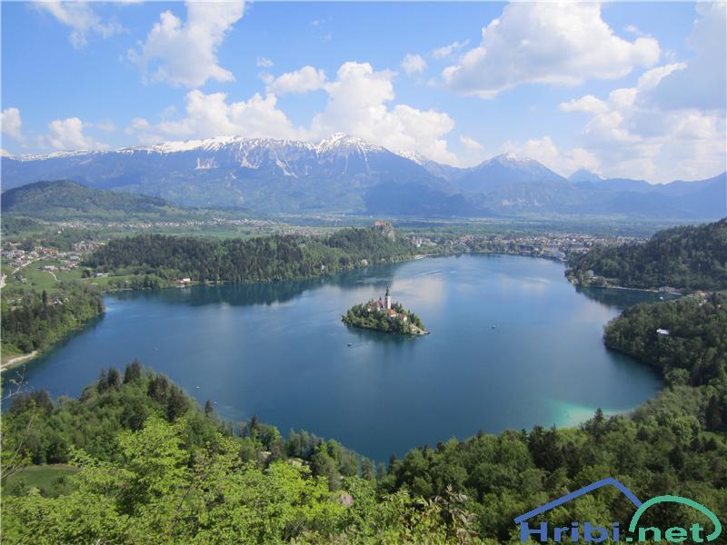 M. Osojnica - pogled na Blejsko jezero