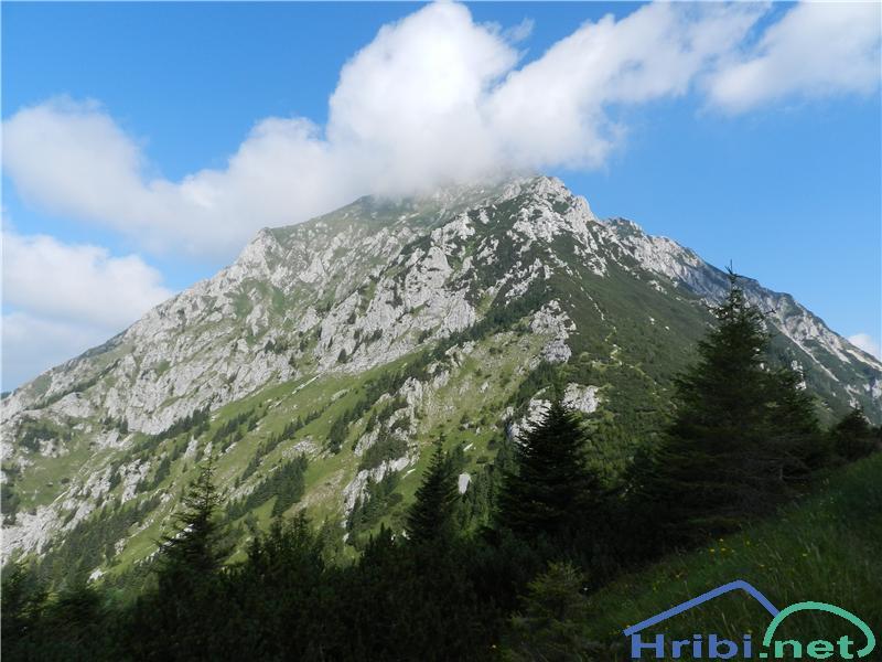Oblakom navkljub gremo na vrh  Storžoča