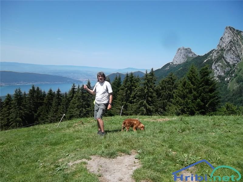 Evo naju nad Annecyem v Savojskih alpah....