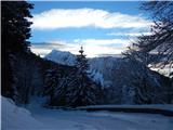 Prelaz Ljubelj (koča)Veliki vrh in Zajmenove peči