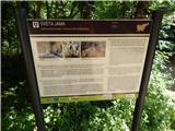 Od Socerba do AnkaranaInformativna tabla ob Sveti jami