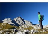 GrintovecNa grebenu Dolgih sten se odpre prelep pogled proti Skuti in Štruci