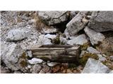 Iz Robanovega Kota čez Črni Hriber na KrofičkoSveža, ledeno hladna voda