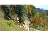 Gonžarjeva pečSkala pod cerkvijo na Vinski gori