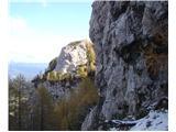Ojstri vrh 1371mČaka nas zahtevnejši del spusta, prečnica pa tudi plezanja navzgor