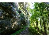 Vrtaško Sleme- Čez skalovje prši voda