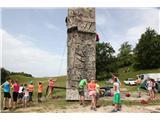 Lisca planinskih doživetij za 2500 ljubiteljev goraVrvež na plezalni steni kar ni usahnil (foto Ljubo Motore).