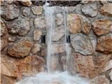 Prelaz Ljubelj (koča)Vode je kar veliko