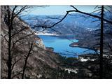 Komnapa še pogled na Bohinjsko jezero v bleščečem dnevu