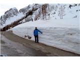 Mala Mojstrovkaprecej snega je še na Vršiču