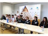 Športni plezalci v boj za svetovna odličja...Novinarska konferenca pred odhodom na svetovno prvenstvo na Japonsko (foto Manca Ogrin).