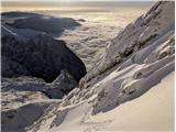 SkutaPrečka v zadnjem delu poti, ki je bila zaradi nepredelanega snega še najbolj sitna.