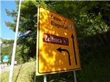 Prelaz Ljubelj (koča)O glavni cesti so še vedno oznake za sedežnico