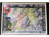 Vse več tujcev v dobro obiskanih...Planinska zveza Slovenije je 28 planinskih koč opremila s posebnimi plastificiranimi zemljevidi (foto Manca Ogrin).