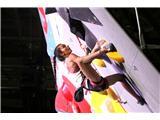 Garnbretova serijska svetovna prvakinjaLučki Rakovec na devetem mestu se je finale za las izmuznil (foto Manca Ogrin).