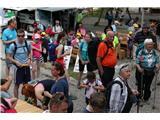 Lisca planinskih doživetij za 2500 ljubiteljev goraVečgeneracijski planinski vrvež pri Tončkovem domu na Lisci (foto Ljubo Motore).