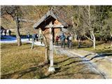 Znamenja (križi in kapelice) na planinskih potehV vasi Strmica.