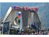 Gorska obeležja NOBVeličastni spomenik v Dražgošah.
