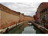 SU E ZO - gori doli po mostovih BenetkOb poti