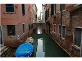 SU E ZO - gori doli po mostovih BenetkVišina tega mostu ne kaže na nek velik promet :)