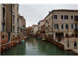 SU E ZO - gori doli po mostovih Benetk… in spoznavamo neznane predele Benetk