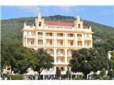 Pot Franca Jožefa I.-od Opatije do LovranaNato pa mimo številnih hotelov na tlakovano pot.