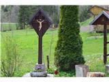 Znamenja (križi in kapelice) na planinskih potehKriž v vasi Hiteno.