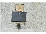 Gorska obeležja NOBPri porušeni graščini na Pajkovem.