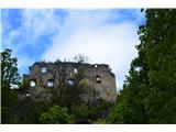 Planina pri Sevnici-Sv. Križ-730mNa strmih skalah je nekoč stal mogočen grad, danes deloma v ruševinah.