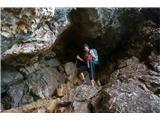 Čemšeniška planina - KrvavicaSkala je vlažna, zato nekaj previdnosti ne škodi