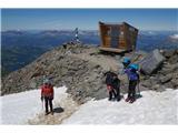 Mont Blanc / Monte BiancoTukaj, malo pod teto Rozko nataknemo dereze in palice nadomestimo s cepini
