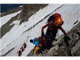Mont Blanc / Monte BiancoNajbolj delikatno mesto današnjega vzpona ... prečenje koluarja. Kotaleče se skale so tu stalnica