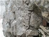 Široka peč 2497 m.n.m.Sva hotela preveriti kaj je notri pa je noben bog ne odpre.
