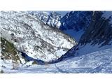 KredaricaZvožena in pomrznjena strmina pod Kurico.