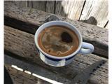 KredaricaSimbol Kredarice: kava in oklo kdo ve čigavega cepina.