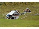 Slovenske planine v vseh letnih časihSpuščam se dol.