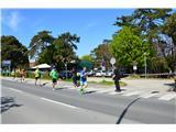 Slovenska obalaZačetek našega pohoda je bil v Izoli-tam se je odvijal Istrski maraton.
