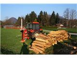Puštalski krogUpam, da drva delajo za sledečo zimo. Te imamo že dovolj :)