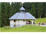 Znamenja (križi in kapelice) na planinskih potehLep kapela.