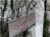 StolZačetek plezalne poti, ki premaga 500 m