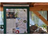 Razgledišče pod Srnjakom nad Logatcem-919mZa njega skrbi PD Logatec.