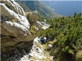 Prečenje Trentski Pelc - Srebrnjakčez prve skalne skoke pod osrednjo grapo