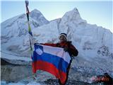 Kala patar 5545m, od zadaj M. Everest..oktober 2011